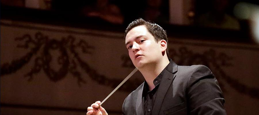 "Ivan López-Reynoso conducts the ""Operettengala"" in Braunschweig"
