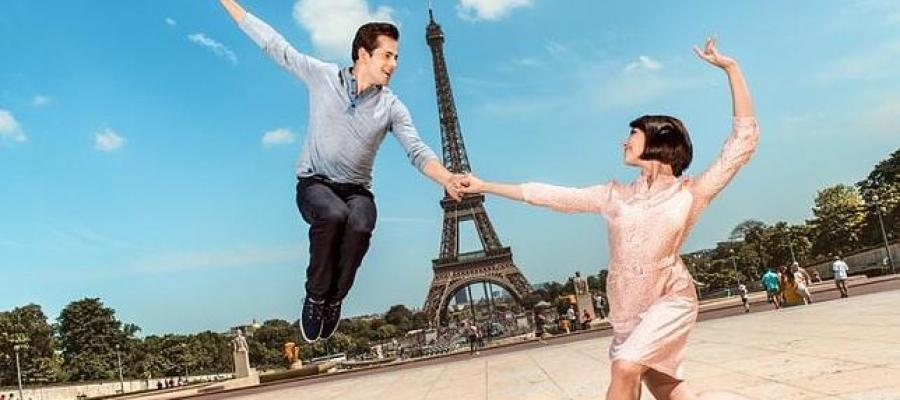 "Ivan Lopez-Reynoso conducts the live soundtrack of ""An American in Paris"" with Oviedo Filarmonia"