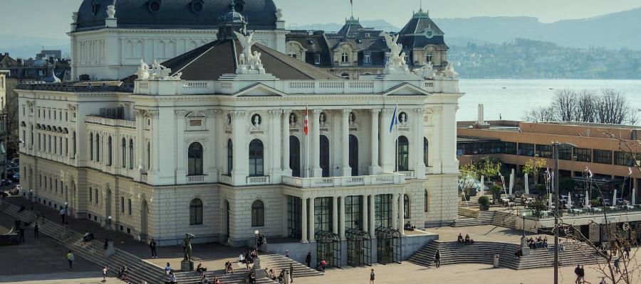 Opernhaus Zurich: Il Pirata