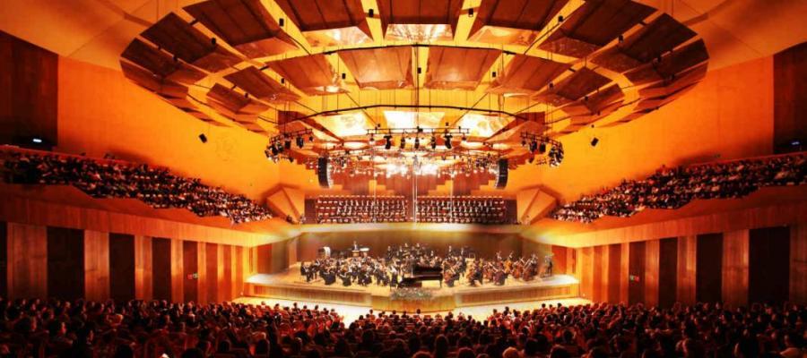 Ivan Lopez-Reynoso: concert with OFUNAM, Ravel, Jolivet, Elgar